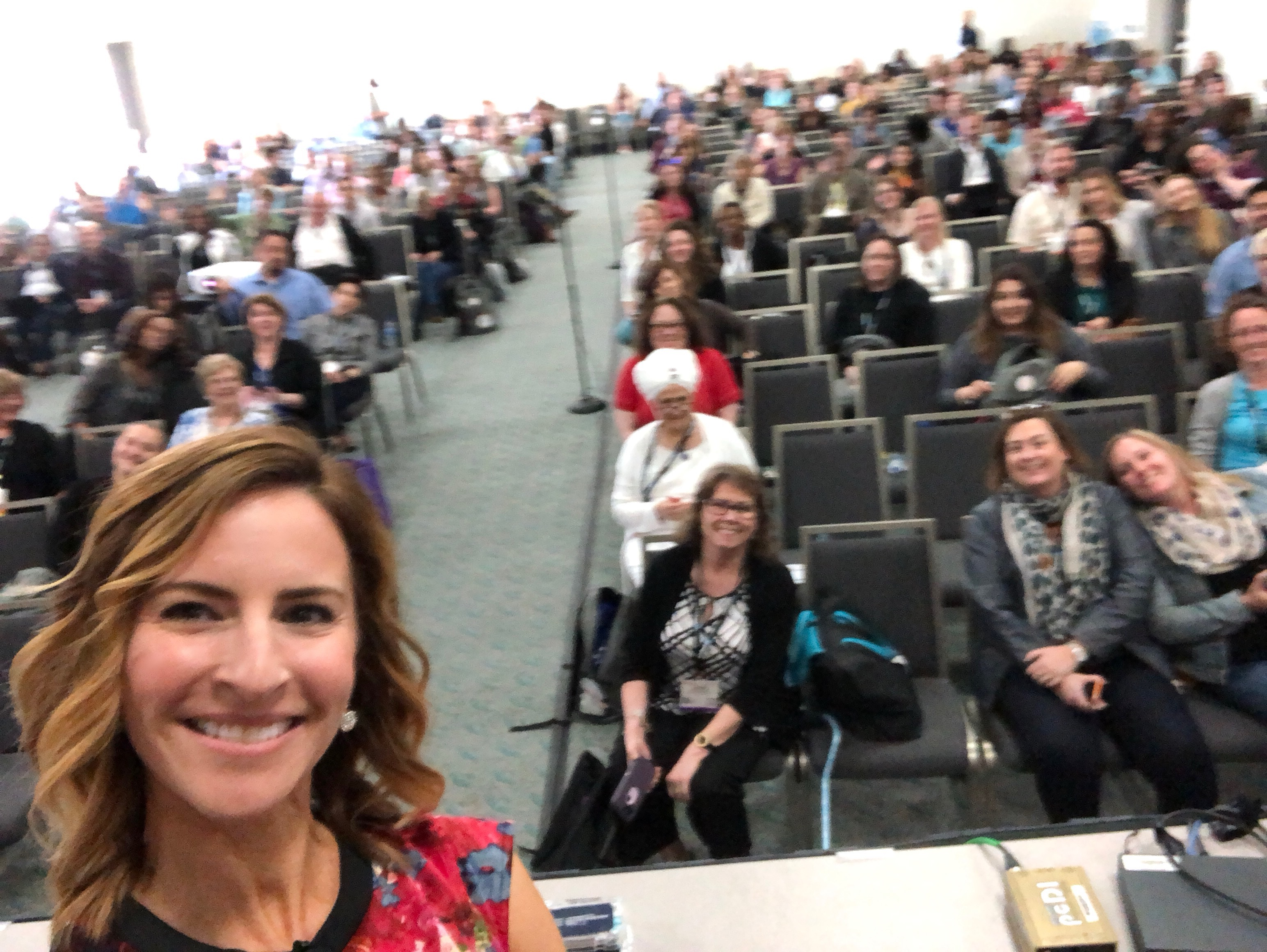 Janine selfie on stage at ATD 2018